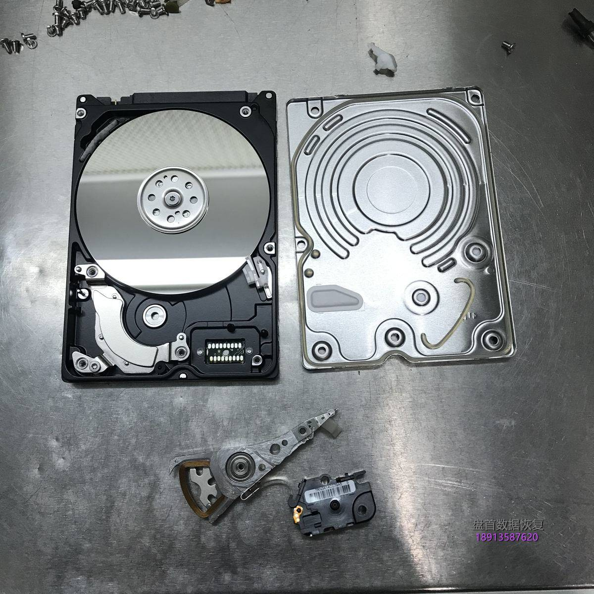 WD10JPVX-08JC3T5笔记本硬盘摔坏导致磁头损坏咔咔响开盘恢复成功